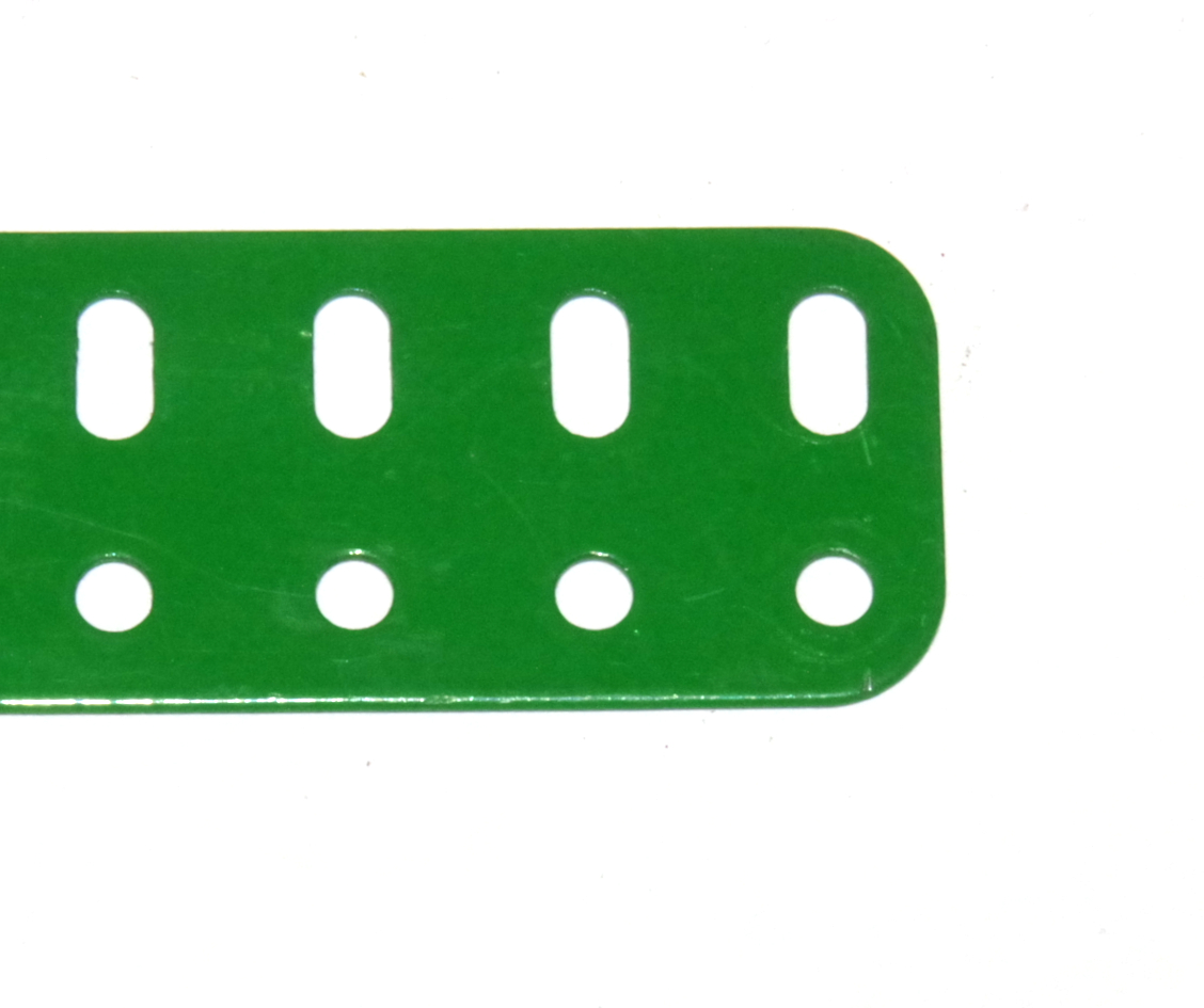 103a Flat Girder 19 Hole Light Green