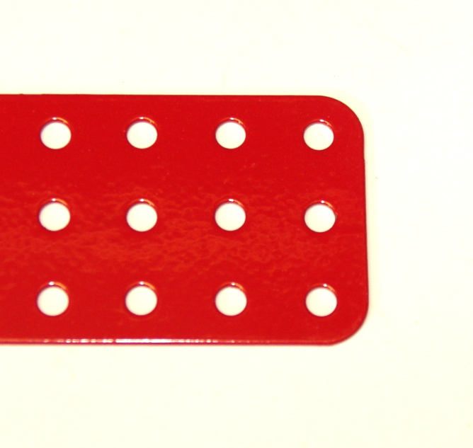 74g Flat Plate 3x15 Hole Red