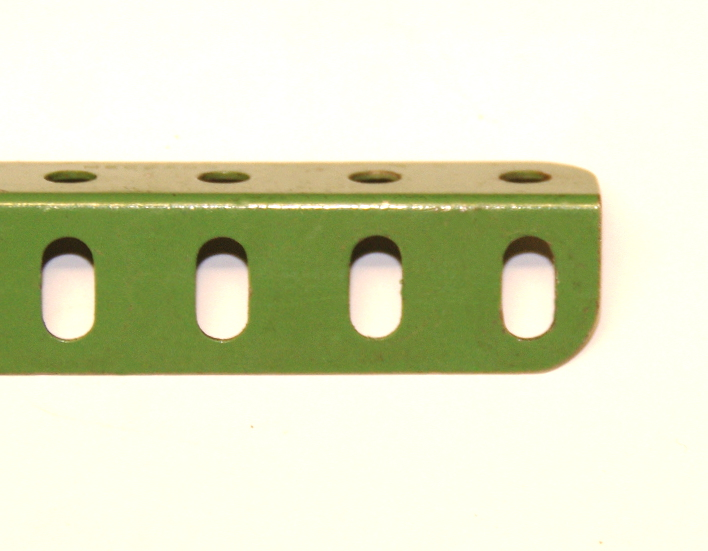 9c Angle Girder 6 Hole Light Green Original