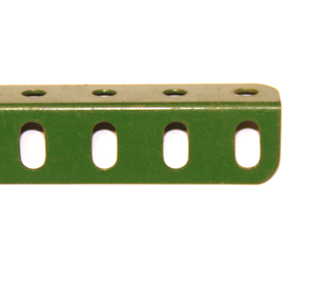 8 Angle Girder 25 Hole Mid Green Original